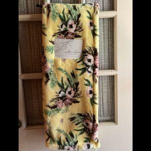 Marlo Lorenz decorative plush throw